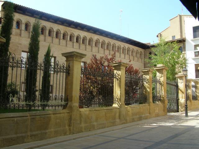 39106-huesca-palacio-de-duquesa-villahermosa
