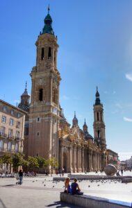 Basílica-del-pilar-desde-plaza-mayor