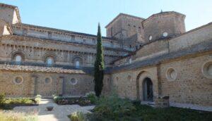 claustro-catedral-de-jaca